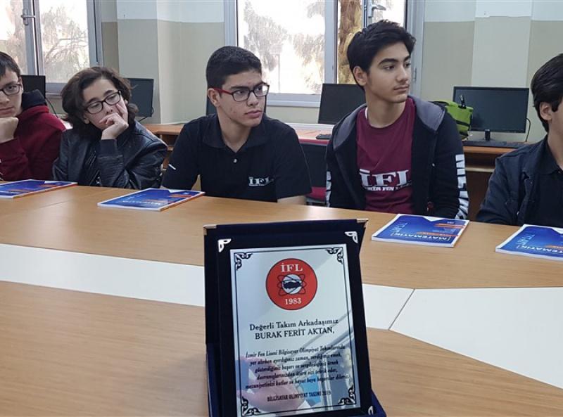 Türkiyeyi Temsile Talibiz - İFL Bilgisayar Olimpiyat Takımı