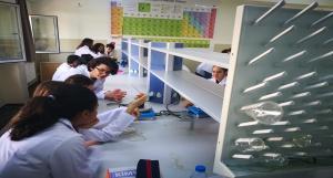 Kimya Laboratuvarında İlk Deneyler Yapıldı