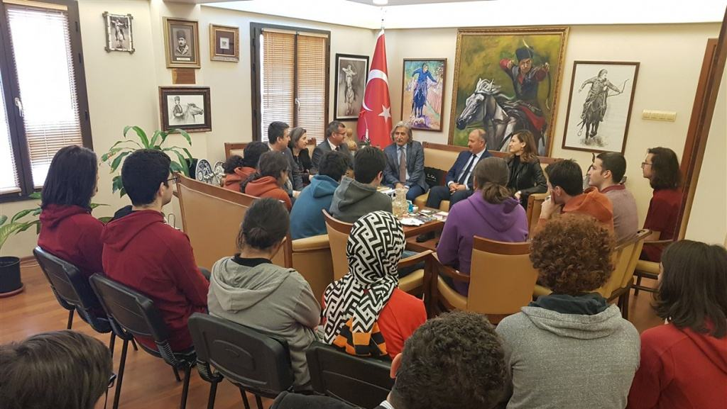 Bornova Kaymakamı Sayın Fatih Genel Öğrencilerimizi Makamlarında Kabul Ettiler
