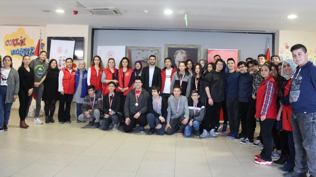 Pentago Birincisi İzmir Fen Lisesi